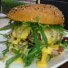 Cubo Negro: Juicy Lucy mit Rucola